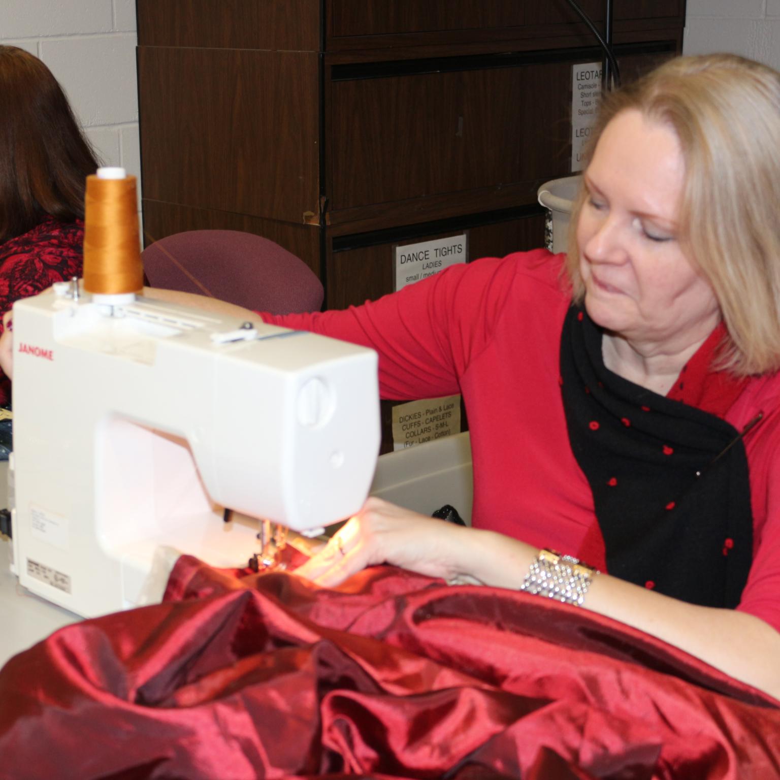 sewing-volunteers